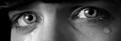 Heartbreaking-sad-eyes-tears-photography2